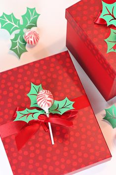 Easy Christmas Holly Papercraft DIY Gift Wrapping Embellishments