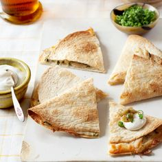 We just need a side of guac and we're good to go with these Tex-Mex chicken quesadillas.