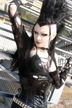 Def not the hair but everything else is awesome Deathrock Fashion, Punk Fashion, Gothic Fashion, Mohawks, Goth Beauty, Dark Beauty, Tribal Fusion, Bettie Page, Punk Prom