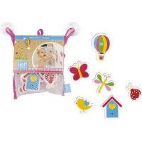 Lief! - Badspeeltjes De meeste kinderen gaan graag in bad. En natuurlijk horen daar leuke speeltjes bij! Deze badspeeltjes van het merk Lief! vallen ongetwijfeld in de smaak. De figuren blijven plakken op de badrand of drijven in het water. De figuurtjes hebben allerlei vormen (vogeltje, luchtballon, lieveheersbeestje). http://www.geschiktspeelgoed.nl/product/lief-badspeeltjes/