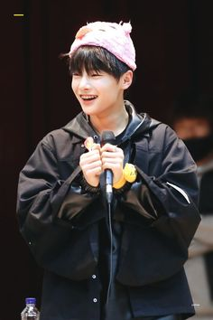 🌻stray kids🌻- I. Rapper, Chan Lee, Bias Kpop, Kids Around The World, Mnet Asian Music Awards, My Little Baby, Bright Stars, Lee Know, Busan