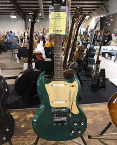 Check out new highlights video and Facebook Live video from Dealer Day at the Orlando Guitar Show…click here http://www.guitarstoriesusa.com/2017-orlando-guitar-show/dealer-day #orlandoguitarexpo #orlandoguitarshow #guitar #guitarist #guitars #gibson...
