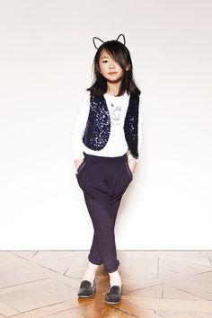 Marca de ropa para niñas: top 2 en 1 y pantalones
