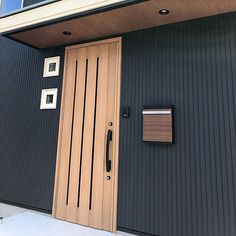 Door Design, House Design, House Colors, Facade, Garage Doors, Backyard, Exterior, Outdoor Decor, Home Decor