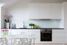 Cocinas peque as on pinterest scandinavian kitchen main for Muebles terraza pequena