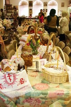 Food (pascha baskets waiting for the blessing) [photo credit to a Semenov]