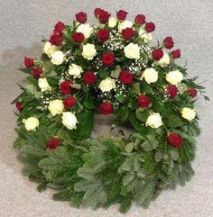 In unserem Online-Shop finden Sie eine Auswahl von Trauerkränzen und weiteren Artikeln. Schauen Sie mal rein! Funeral Outfit, Christmas Wreaths, Christmas Tree, December 22, Flower Art, Valentines, Holiday Decor, Birthday, Flowers