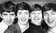 No mutta ketkäs ne siinä? Ensin puudeli George, sitten nukkekasvoinen Paul, charmikas potaattinenä Ringo ja virnuleuka älykeikari John. Päivää, päivää!  #seinastaanfanitunnetaan
