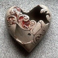 Discover recipes, home ideas, style inspiration and other ideas to try. Pottery World, Leaf Texture, Clay Bowl, Funky Art, Slab Pottery, Pottery Designs, Pottery Making, Diy Clay, Ceramic Clay