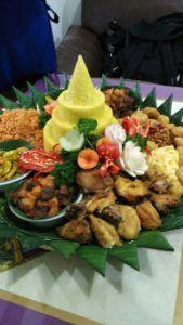 Madriga Catering 08118888653: 08118888653 Pesan Nasi Tumpeng Di Pancoran Jakarta...