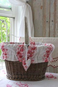 #shabby_chic floral linen basket liner