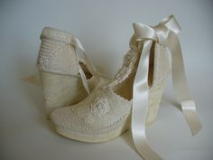 Crochet Bridal Wedges created by LeeLu