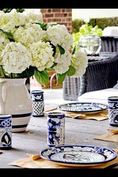 Blue & white wedding theme. Flowers!