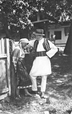 ADOLPH CHEVALLIER was a Romanian photographer born in 1881 in the village of Brosteni (Neamt county, Moldavia) to a Swiss-French father and a Romanian mother. After finishing his studies in Romania… Old Pictures, Old Photos, Vintage Photos, Michael I Of Romania, European Tribes, Moldova, Folk, Sketches, Poster