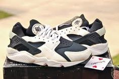 nike air huarache 1992 - Google Search. Best and most comfiest shoe I ever had.