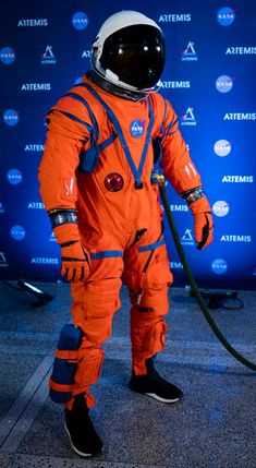 Orion Suit Equipped to Expect the Unexpected on Artemis Missions Artemis, Astronaut Helmet, Astronaut Costume, Nasa New Space Suit, Nasa Space Station, Astronaut Illustration, Orange Suit, Helix Nebula, Orion Nebula