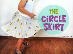 Vminulém příspěvku o razítkách jsem odkazovala na šití kolové sukně.   Tak o tom bude dnešní fotonávod.           Níže je uvedený návod ...