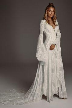 hippie wedding dress 659636676657543209 - Wild Harlow – Source by Western Wedding Dresses, Bohemian Wedding Dresses, Hippie Dresses, Best Wedding Dresses, Bridal Dresses, Wedding Gowns, Bohemian Weddings, Blue Weddings, Wedding Country