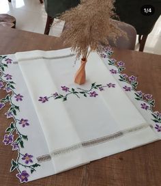 Embroidery Patterns, Hand Embroidery, Cross Stitch Patterns, Cloth Table Covers, Line Work Tattoo, Painted Clothes, Bargello, Diy And Crafts, Fancy