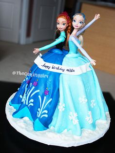 Frozen Anna and Elsa cake | by TheCakingGirl.ca