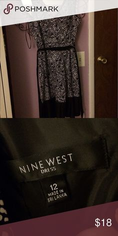 Nine West formal dress Really good material. Comes with sash. Great condition! Would look great with some colorful heels! Nine West Dresses Midi