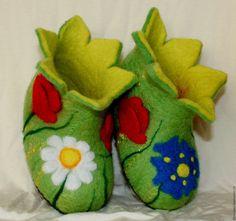 Zapatos o botas de fieltro de lana caliente. Suela de cuero. calzado de ELT mantendrá tus pies tostado cálido y confortable y le dará un efecto de masaje. Ligero y deja que tus pies respiren.