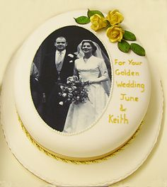Tips to Make the perfect Wedding Anniversary Cake from Edible Inkjet printers. 40th Anniversary Cakes, Anniversary Cake Designs, Golden Anniversary Cake, Golden Wedding Anniversary, Parents Anniversary, Ruby Wedding Cake, Diamond Wedding Cakes, Edible Picture Cake, Cake Pictures