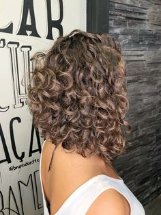 hairstyles down for prom hairstyles kerala hairstyles for black men hairstyles how to hairstyles thin hair curly hairstyles over 50 overweight hairstyles party hairstyles hair Long Face Hairstyles, Hairstyles Over 50, Twist Hairstyles, Black Hairstyles, Latina Hairstyles, Curly Hair Cuts, Curly Hair Styles, Natural Hair Styles, Frizzy Hair
