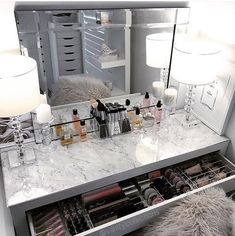 Vanity Makeup Table by Target, Makeup Vanity Table Ikea, Makeup Vanities with… - Décoration . - Vanity Makeup Table by Target, Makeup Vanity Table Ikea, Makeup Vanities with… – Faites-le vous - Ikea Vanity Table, Ikea Malm Dressing Table, Vanity Room, Dressing Tables, Dressing Rooms, Dressing Table Organisation, Table Mirror, Makeup Table Ikea, Dressing Table Decor