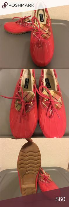 🙀Sperry Saltwater Isla Preppy Duck Shoes😻 Sperry pink saltwater isla duck shoes. Preppy plaid detail like new only worn in the house did not fit my daughter. Sperry Shoes Winter & Rain Boots