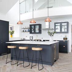 Kitchen Room Design, Kitchen Family Rooms, Modern Kitchen Design, Home Decor Kitchen, Interior Design Kitchen, New Kitchen, Modern Kitchen Island, Small Modern Kitchens, Modern Interior Design