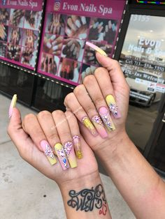 31 Adorable Toe Nail Designs For This Summer - Convenile Glam Nails, Classy Nails, Bling Nails, My Nails, Stylish Nails, Bling Bling, Toe Nail Designs, Acrylic Nail Designs, Acrylic Nails