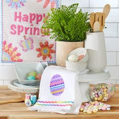Home - Make it Coats Create this Easter Egg applique with scraps of ribbons and trims. #dishtowel #eastercrafts #sewing #coatsandclark #beginnersewing
