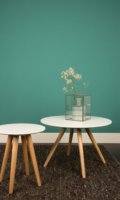 Zuiver 4001802 Bee mesa redonda de madera de densidad media acabado brillante en la parte superior y con patas de madera de 75 x 50 cm blanco: Amazon.es: Hogar