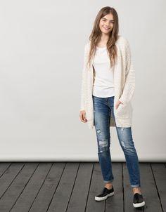 Chaqueta BSK gruesa hilo bicolor. Descubre ésta y muchas otras prendas en Bershka con nuevos productos cada semana