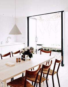Design+Magic+Happens+When+Contemporary+Design+Meets+Rustic+Style+via+@MyDomaine
