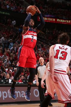 CHICAGO, IL - APRIL 22: John Wall #2 of the Washington Wizards takes a shot