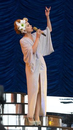 Paloma Faith in a dramatic Diane von Furstenberg gown