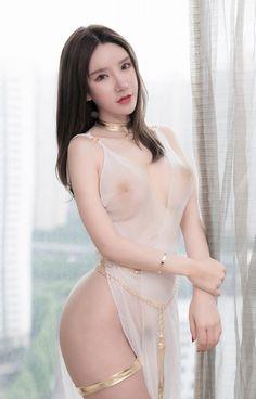 Naked mature huge dildo
