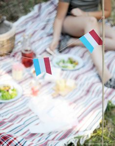 Download free printable Bastille Day bunting for your Bastille Day fete!