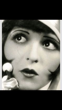 Vamps and flappers. The lowdown on 1920s makeup