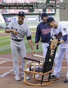 Minnesota Twins gift retiring Yankee pitcher Mariano Rivera a rocking chair made with bats he has broken over his career. ONE of few Yankees I like, a true gentleman. Go Yankees, New York Yankees Baseball, Minnesota Twins, Minnesota Vikings, Yankees Pitchers, Mlb, Twins Baseball, Baseball Bats, Baseball Stuff