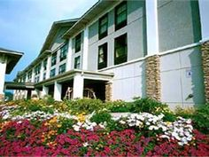 Boone (NC) Quality Inn & Suites University United States, North America Located in Perkinsville, Quality Inn & Suites University is a perfect starting point from which to explore Boone (NC). Featuring a complete list of amenities, guests will find their stay at the property a comfortable one. Service-minded staff will welcome and guide you at the Quality Inn & Suites University. Comfortable guestrooms ensure a good night's sleep with some rooms featuring facilities such as tel...