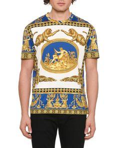 Versace Mens Graphic Jersey T-Shirt Fashion Beauty, Luxury Fashion, Mens Fashion, Versace Hoodie, Versace Men, Graphic Prints, Men Casual, Mens Tops, Shirts
