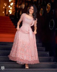 Gown Party Wear, Party Wear Indian Dresses, Indian Bridal Outfits, Indian Bridal Fashion, Indian Fashion Dresses, Indian Designer Outfits, Engagement Dress For Groom, Engagement Dresses, Kerala Engagement Dress