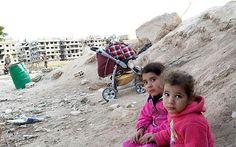 #Yarmouk: Profughi tra fuoco incrociato tagliagole e soldati sanguinario dittatore @Telegraph http://www.telegraph.co.uk/news/worldnews/middleeast/syria/11526407/Residents-caught-in-crossfire-amid-regime-offensive-in-Yarmouk.html…