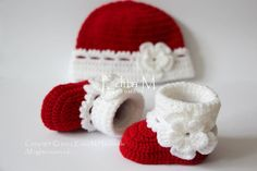 Crochet baby set baby booties and hat baby girl shoes Knit Baby Pants, Crochet Baby Boots, Booties Crochet, Baby Girl Crochet, Crochet Slippers, Baby Booties, Newborn Crochet, Crochet Hats, Crochet Baby Blanket Beginner