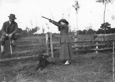 Miss Queenie Robinson takes aim on Lionel Robinson's shoot at Old Beckenham Hall. (Photo by Phillips/Getty Images). 18th October 1911