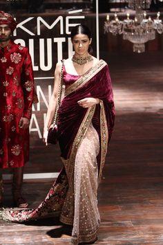 36 brand new saris for the Indian wedding hopper Pakistani Dresses, Indian Sarees, Indian Dresses, Indian Outfits, Sabyasachi Sarees, Lehenga Choli, Velvet Saree, Velvet Shawl, Saree Trends