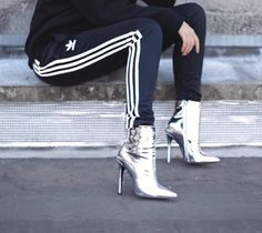 ◾️stripes&silver◾️ Everything goes with everything ! especially Adidas and high heels, one of my favorite fashion combination Pants (for men I think) Boots (Run smaller) Sneakers Fashion Outfits, Heels Outfits, Fall Outfits, Silver Boots, Metallic Boots, Moda Chic, Sporty Chic, Fashion Week, Fashion Blogs